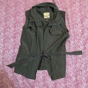 Princess Vera Wang olive-green vest